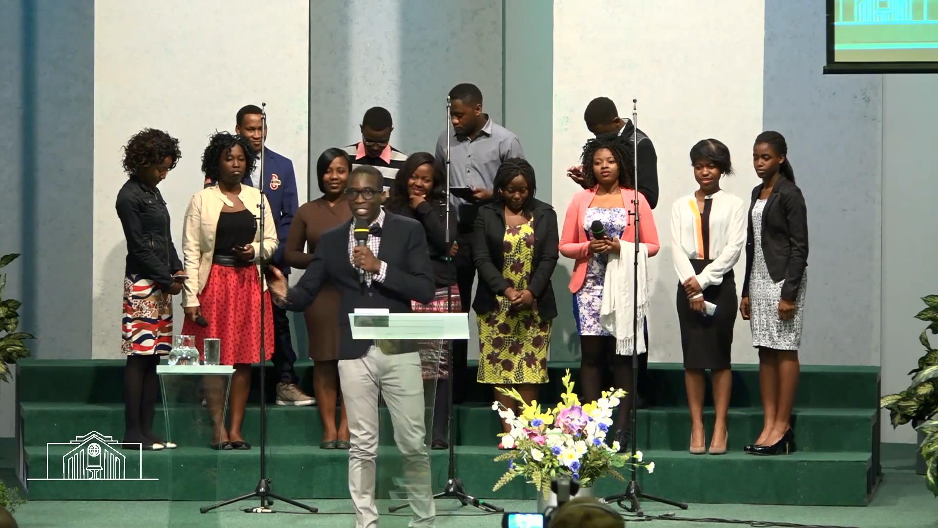 Группа африканской молодежи — «Небо Эдема».mp4_snapshot_00.23_[2016.03.28_13.18.45]